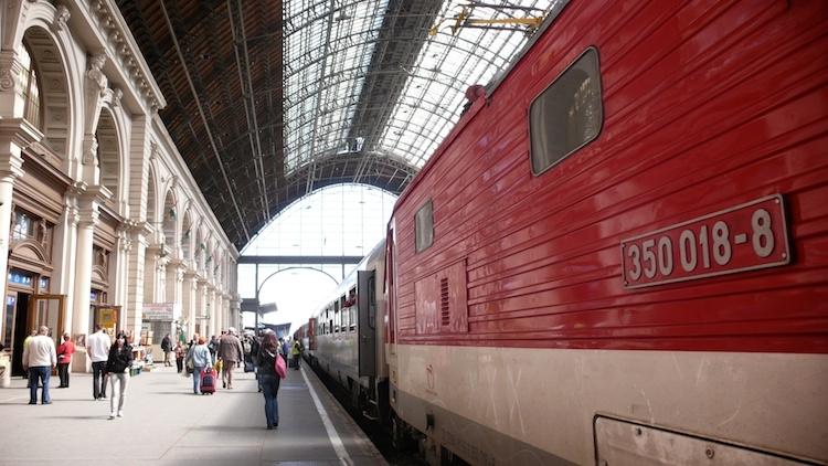 bratislava-to-budapest-train-tendtotravel-14