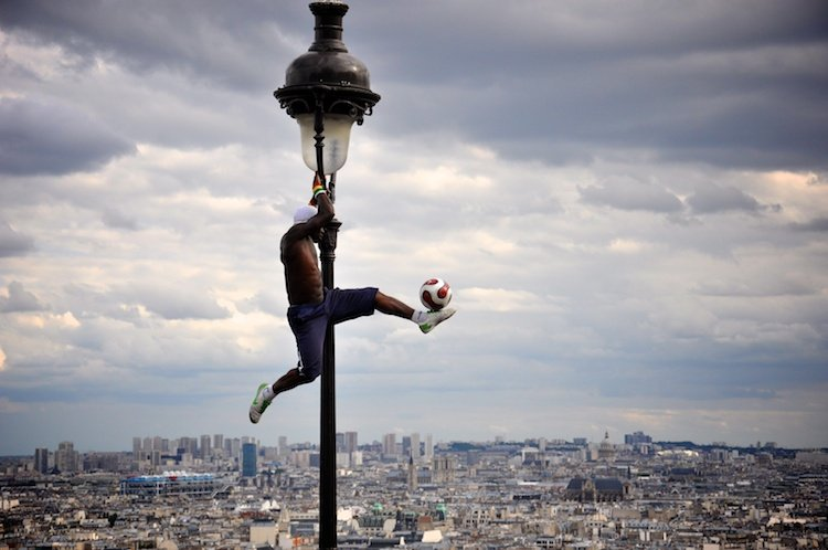 daily-photos-8-up-in-the-air-king-of-tricks-paris